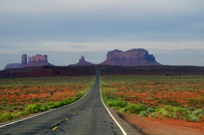 Met de wagen doorheen Monument Valley